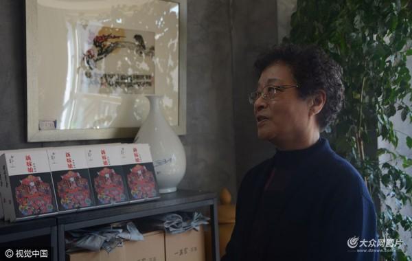 济南:探访非遗机绣传承人 坚守技艺57年